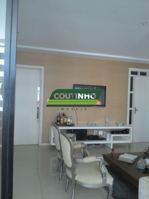 Im�vel: Coutinho Im�veis Ltda - Apto 3 Dorm, Pituba (407)