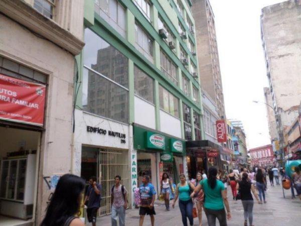 Sala com 43,63mq privativos, pode ser também apartamento. Edifício tradicional próximo a Praça XV, com elevador e portaria 24 horas.